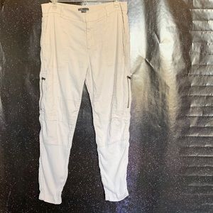 Vince- Cream Colored Cargo Joggers size 8
